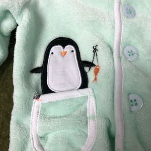 Little Beginnings Shirts & Tops - LAST CHANCE🍌Little Beings plush penguin hoodie